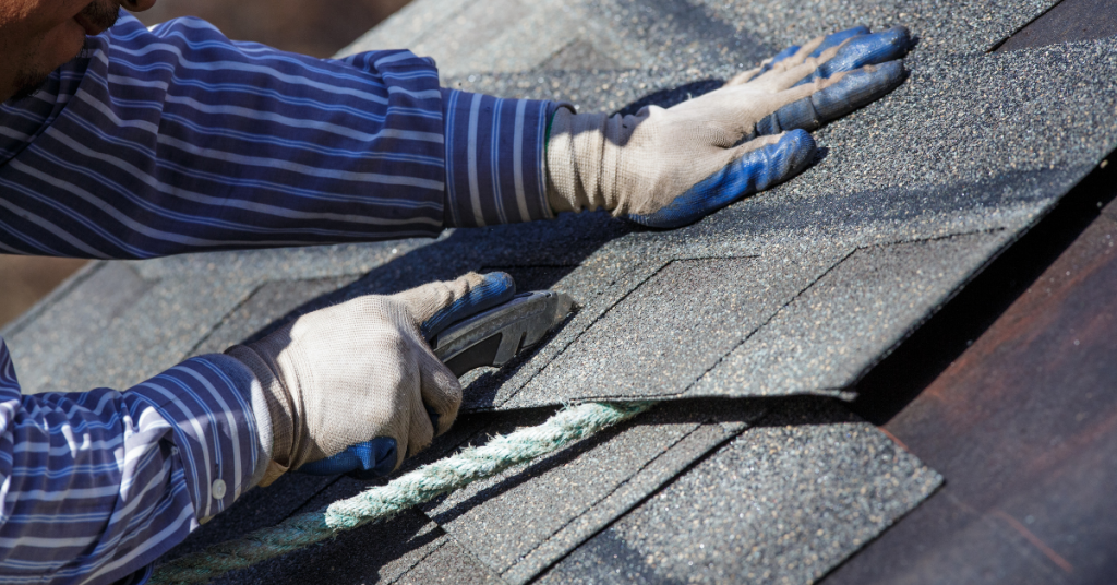 Short Guide to Fixing Damaged Roof Shingles